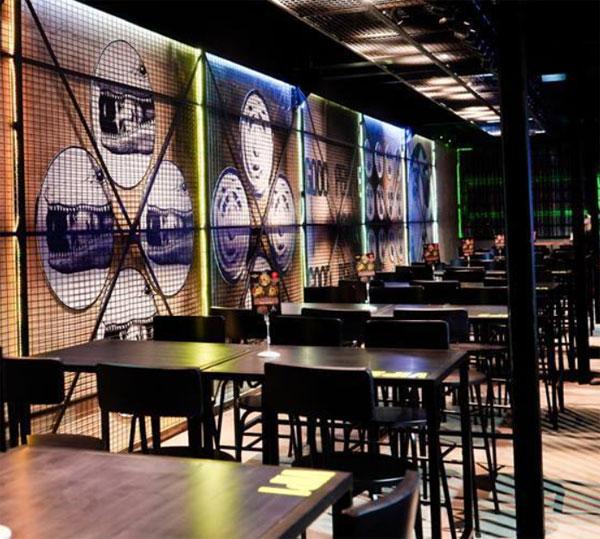 Bàn ghế quán ăn kiểu Beerclub