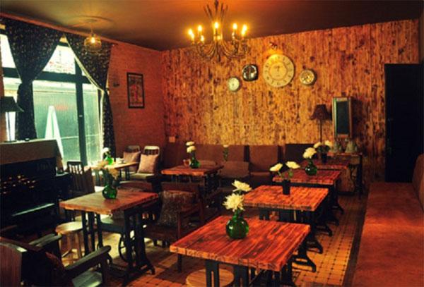 Bàn ghế quán ăn phong cách Vintage